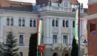 Székelyudvarhely polgármesterét is megbírságolták a március 15-i magyar jelképek miatt