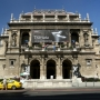 Kigyulladt a budapesti Operaház