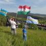 Magánterületekről is beszedetné a székely és magyar zászlókat a Maros megyei prefektus